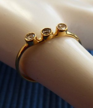 RING 333er GOLD MIT 3 DIAMANTEN