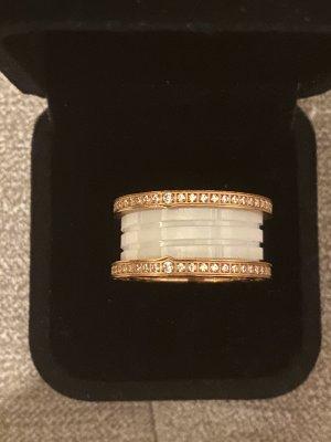 Ring aus Edel*stahl Roségold weiß Neu mit Verpackung Größe 18mm