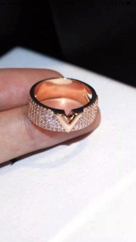 Ring aus Edelstahl Größe 54 Neu mit Verpackung