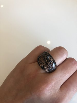 Ring aus Glas