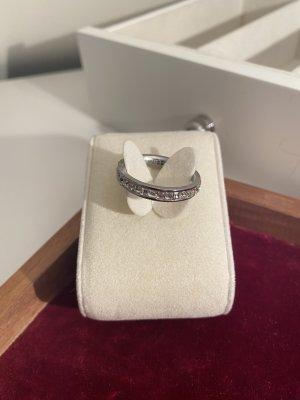 Ring aus Stahl