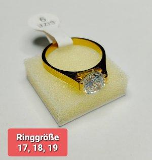 Ring aus Stahl mit Zirkonia