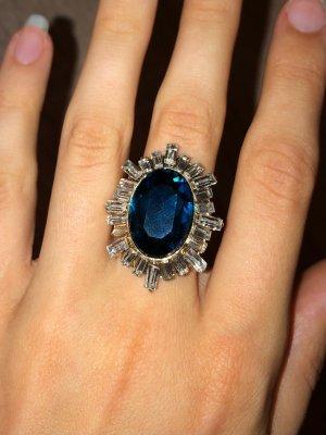 Ring grün goldener Fingerring Statement Ring in Gold mit Kristallen und Schmuckstein grün Abendschmuck Grüner Stein