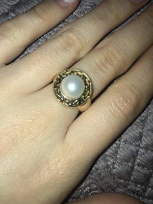Ring in der Grōße M aus Gold 525 mit echten Perlen