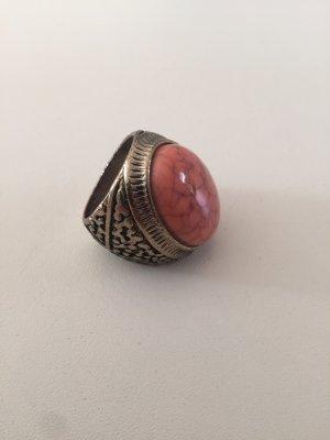 Ring in Gold mit Stein