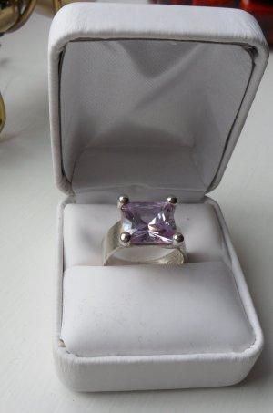 Bague en argent lilas-violet