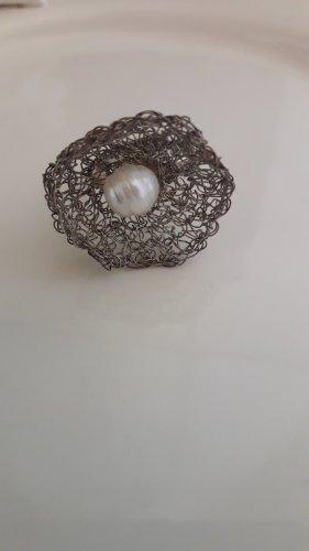Ring mit echtem Silberfaden gehäkelt