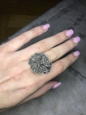 0039 Italy Bague en argent argenté-gris
