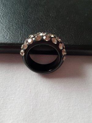 Ring mit Glitzersteinen
