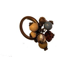 Ring mit Holzelementen