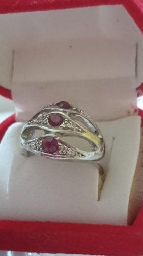 Ring mit lila Steinchen filigran Gr.16,5
