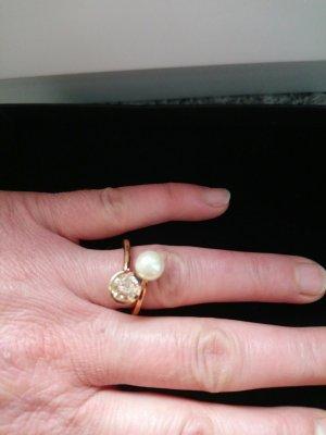 ring mit perle und gelbe-seiten 3x punziert