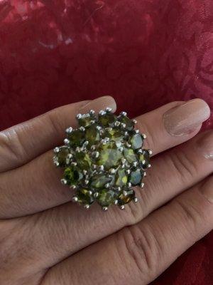 Ring Silber mit grünen Svarovskisteinen