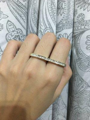 Gold Ring white