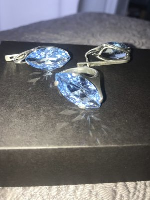 Ring und Ohrringe aus Silber und Topas