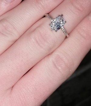 Ring von Charmed Aroma