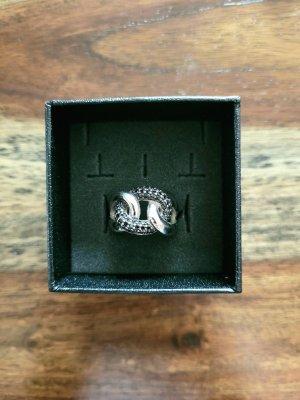 Ring von Goldmaid mit schwarzen Zirkonia