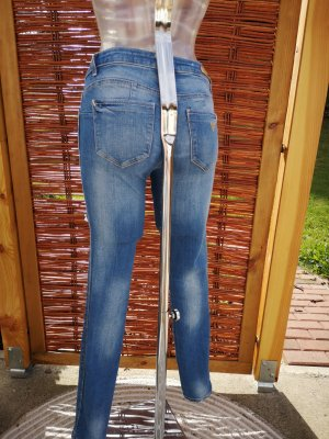 ripped Jeans mide waist!