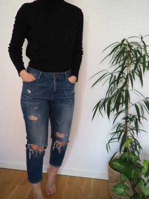ripped Jeans Only