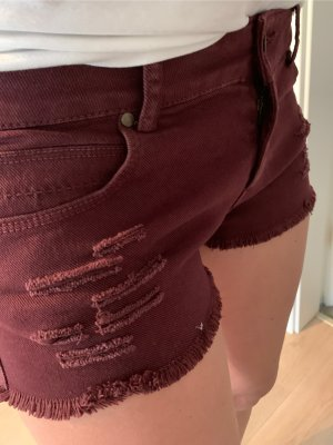 Ripped-Style Zara Shorts in Weinrot