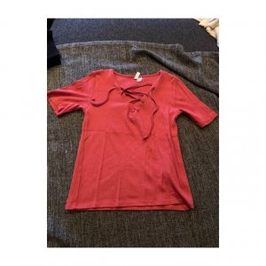 H&M Divided Geribd shirt donkerrood-baksteenrood