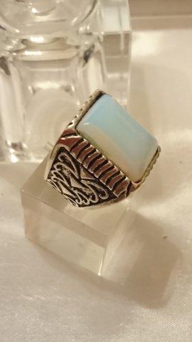 Risiger Ring mit hellblauen  Opal Stein und Ornamenten Gr.20