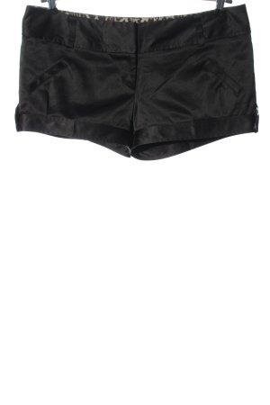 River Island Pantalón corto negro moteado look casual