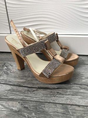 Sandales à talons hauts et plateforme beige bois