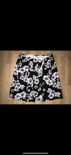 Montego Wraparound Skirt black-white