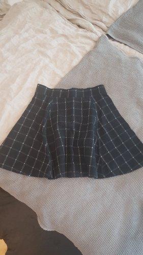 H&M Divided Rozkloszowana spódnica biały-czarny