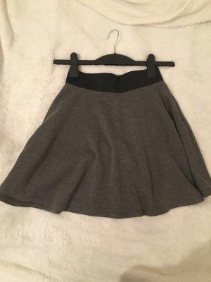 H&M Circle Skirt black-grey