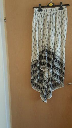 Falda asimétrica blanco-negro