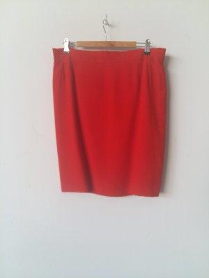 Escada Falda de seda rojo Seda
