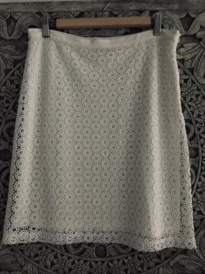 Falda de encaje blanco puro