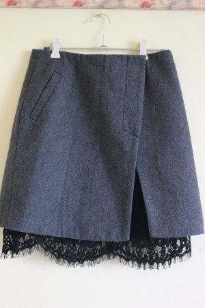 Rock aus Wolle mit abnehmbarem Lace-Unterrock