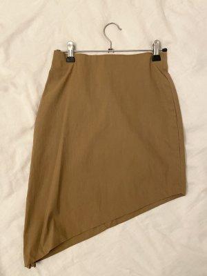 Falda asimétrica marrón arena-ocre