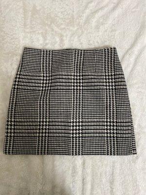 H&M Wool Skirt black-white