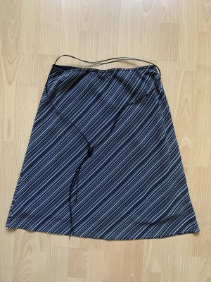 Blue Motion Circle Skirt black-white