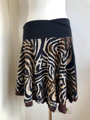 Rock im Zebra/Safari Look