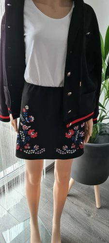 Rock in Floral Muster