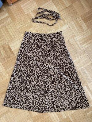 Rock mit Leoparden Muster