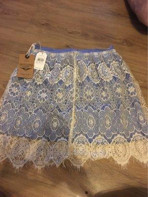 Falda de encaje blanco-azul acero