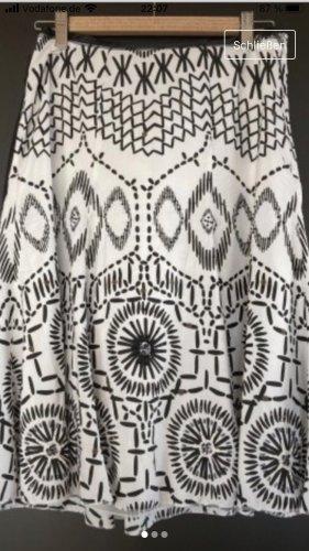 Taifun Rozkloszowana spódnica biały-czarny
