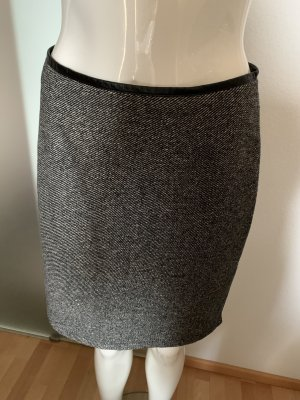 Nicowa Wool Skirt black-white