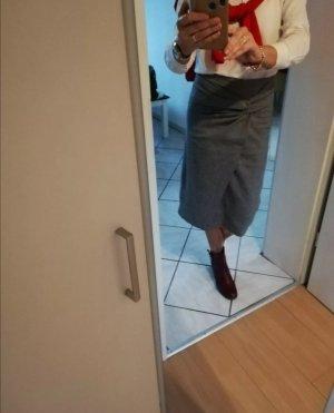 One More Story Asymmetry Skirt white-black