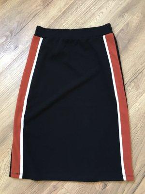 Reserved Pencil Skirt black-white