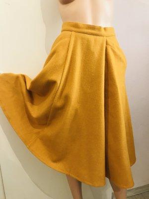 Circle Skirt dark yellow