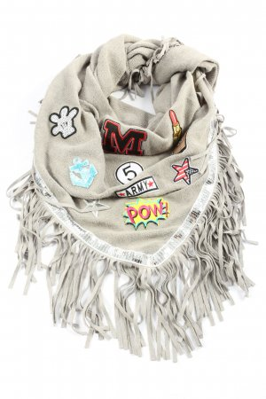 rock witter Fringed Scarf cream casual look