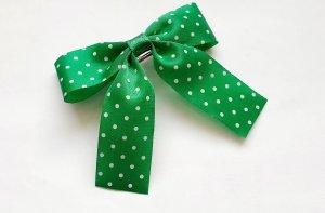 Pinza para el pelo verde-blanco