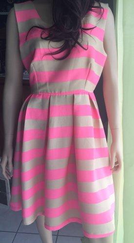 Sukienka z halką kremowy-różowy neonowy